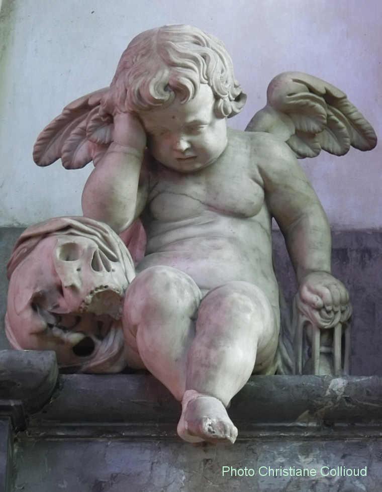 Ange Qui Pleure si reims a un ange au sourire amiens a un ange qui pleure